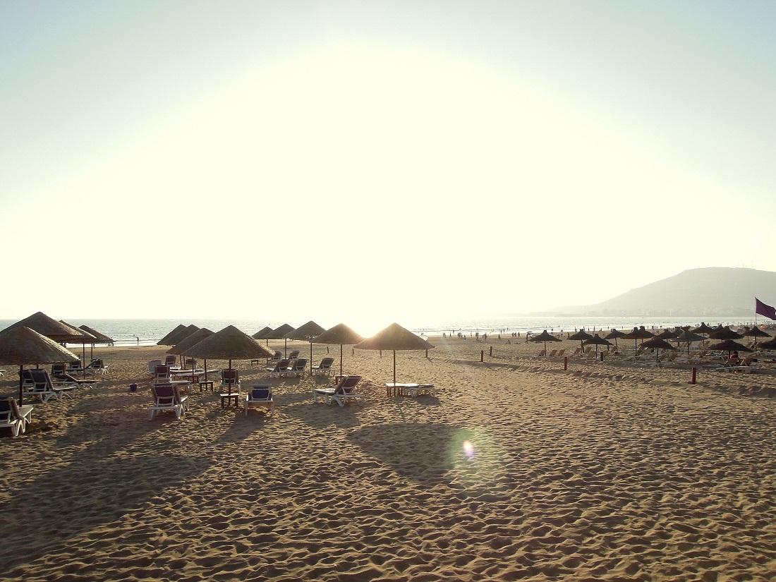 La plage immense d'Agadir, moment de détente